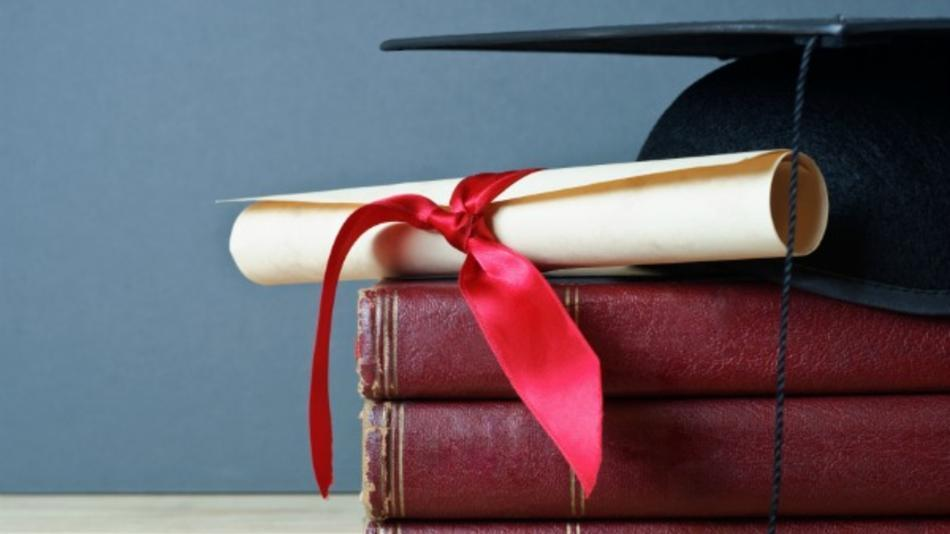 9 Financial Tips for Young Graduates